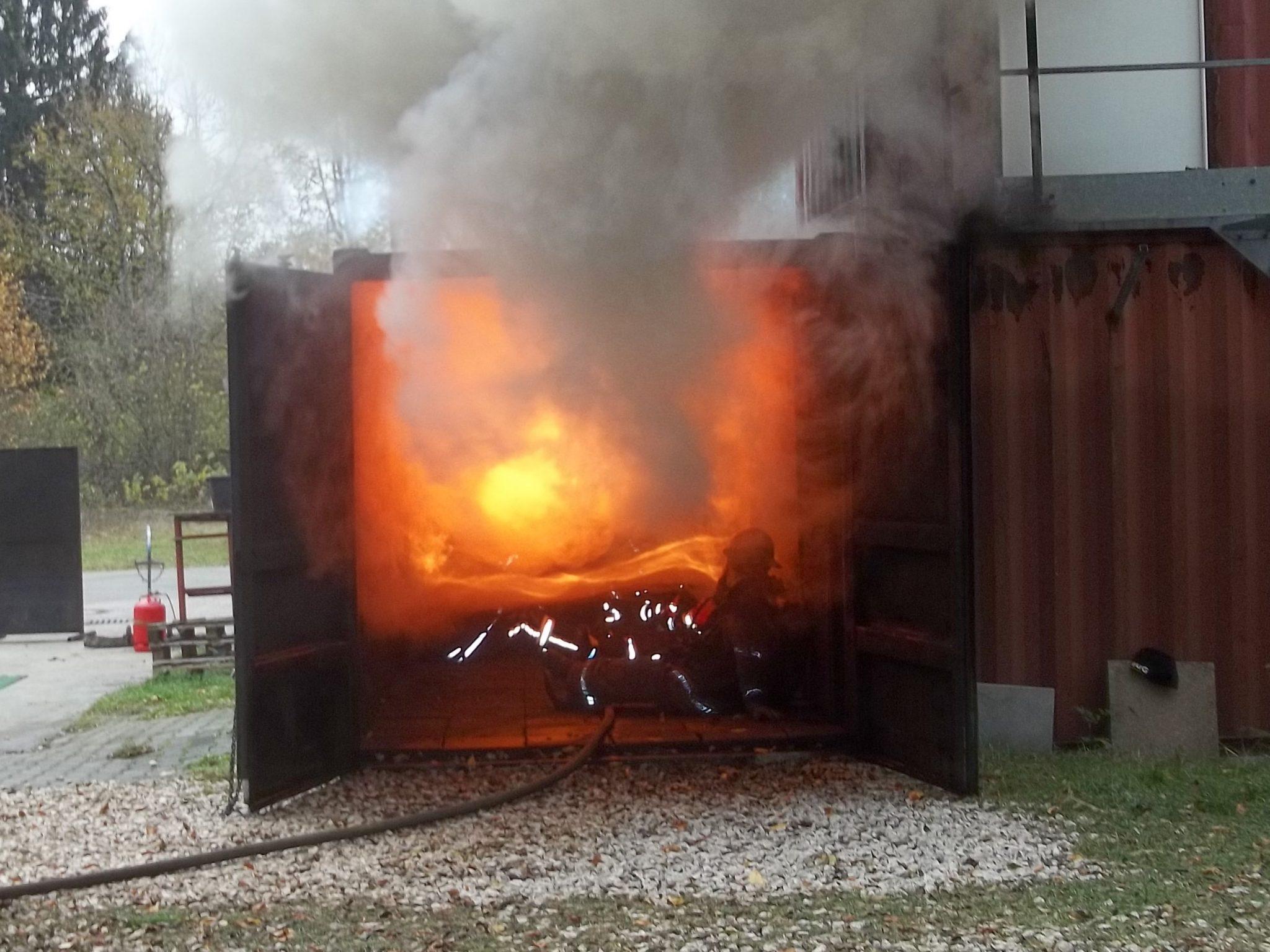 Brandbekämpfungskurs Feuerwehr Eschbronn