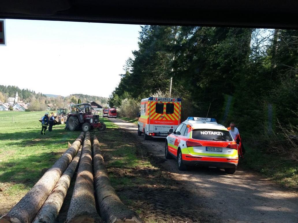 Einsatz Eingeklemmte Person Feuerwehr Eschbronn