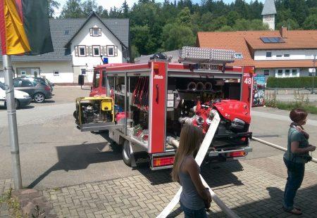Kindergarten zu Besuch bei der Feuerwehr Eschbronn 2016