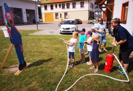 Kindergärten aus Eschbronn zu Besuch bei der FW Eschbronn